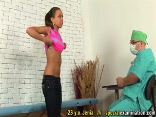 Порно видео молодых девушек с большими сиськами, которые любят дрочить киску