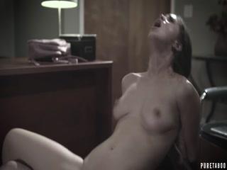 Смотреть порно инцест брата, сестры в душевой комнате на полу дома - брат ебет сестрен